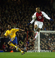 Photo: Scott Heavey.<br />Arsenal v Southampton. FA Barclaycard Premiership. 10/02/2004.<br />Thierry Henry shows he's head and shoulders above the rest
