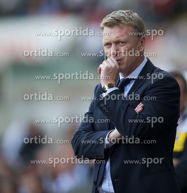 22.09.2012, Liberty Stadion, Swansea, ENG, Premier League, Swansea City vs FC Everton, 5. Runde, im Bild Everton's manager David Moyes during the English Premier League 5th round match between Swansea City AFC and Everton FC at the Liberty Stadium, Swansea, Great Britain on 2012/09/22. EXPA Pictures © 2012, PhotoCredit: EXPA/ Propagandaphoto/ David Rawcliff..***** ATTENTION - OUT OF ENG, GBR, UK *****