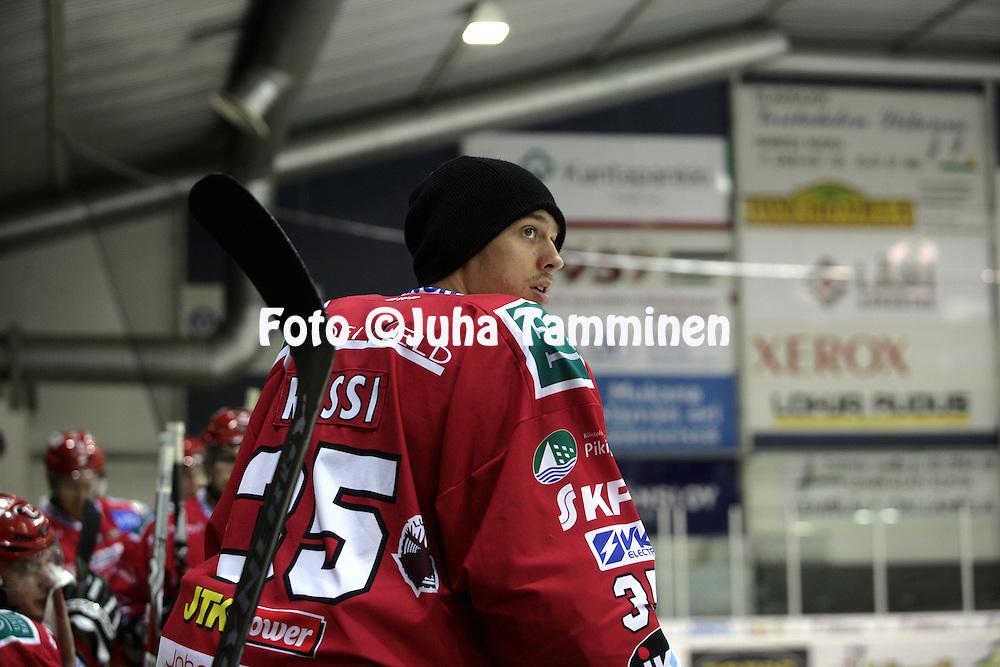 02.12.2009, Lemp??l?..J??kiekon Mestis 2009-10.Lemp??l?n Kisa - Vaasan Sport.Mikko Rossi - Sport.©Juha Tamminen.
