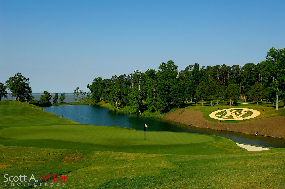 Williamsburg, Va. -- 18th hole on the River Course at Kingsmill....Scott A. Miller/Golfweek