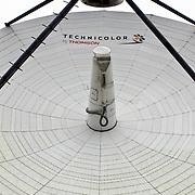 NLD/Hilversum/20081105 - Satelietontvanger op het NOB terrein in Hilversum