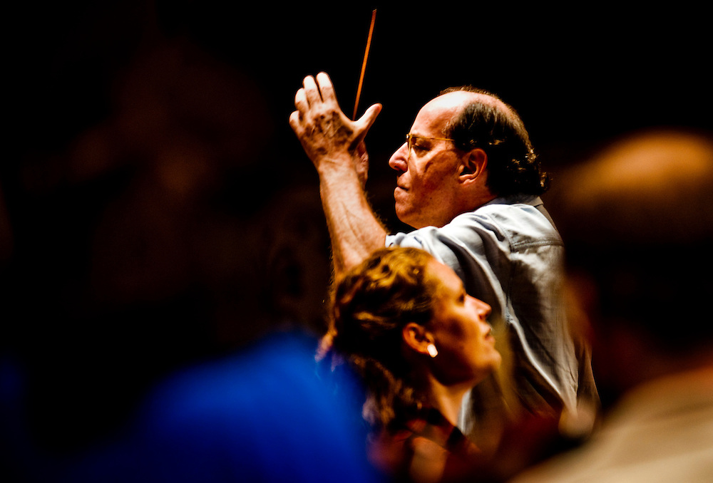 Gilbert Kaplan conducting the Cincinnati Philharmonic Orchestra in Mahler's 2nd symphony. Mezzo soprano Christianne Stotijn singing..Photographer: Chris Maluszynski /MOMENT