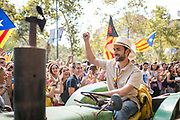 Member of the Catalunya Farmers Union raises his arm in victory during the tractor protest Editorial and Commercial Photographer based in Valencia, Spain | Portraits, Hospitality, News, Sports, Media Coverage for Events