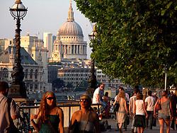 UK ENGLAND LONDON 28JUL08 - Pedestrians stroll and enjoy the evening sunlight on the South Bank in central London...jre/Photo by Jiri Rezac..© Jiri Rezac 2008..Contact: +44 (0) 7050 110 417.Mobile:  +44 (0) 7801 337 683.Office:  +44 (0) 20 8968 9635..Email:   jiri@jirirezac.com.Web:    www.jirirezac.com..All images © Jiri Rezac 2008. All rights reserved.
