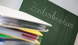 THEMENBILD - Ordnerstapel vor der neuen Zentralmatura in Oesterreich, aufgenommen am 05.05.2015 in Innsbruck, Oesterreich // folders stack before the new austrian graduate in Innsbruck, Austria on 2015/05/05, EXPA Pictures © 2015, PhotoCredit: EXPA/Jakob Gruber