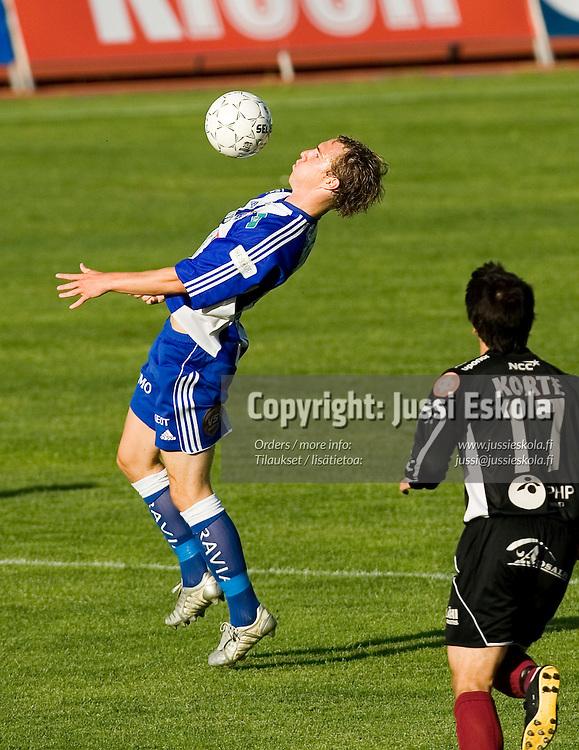 Vili SAVOLAINEN.&amp;#xA;FC Lahti - HJK, 23.7.2006. Veikkausliiga.&amp;#xA;Photo: Jussi Eskola<br />