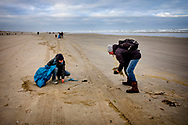 TERSCHELLING - Volunteers clean up the stuff that washed up on the beach after the cargo ship MSC Zoe lost 270 containers. Several dozens of fishermen are back at sea today to fish for things that come from the ship's MSC Zoe vessels that have been thrown overboard. copyrught robin utrecht