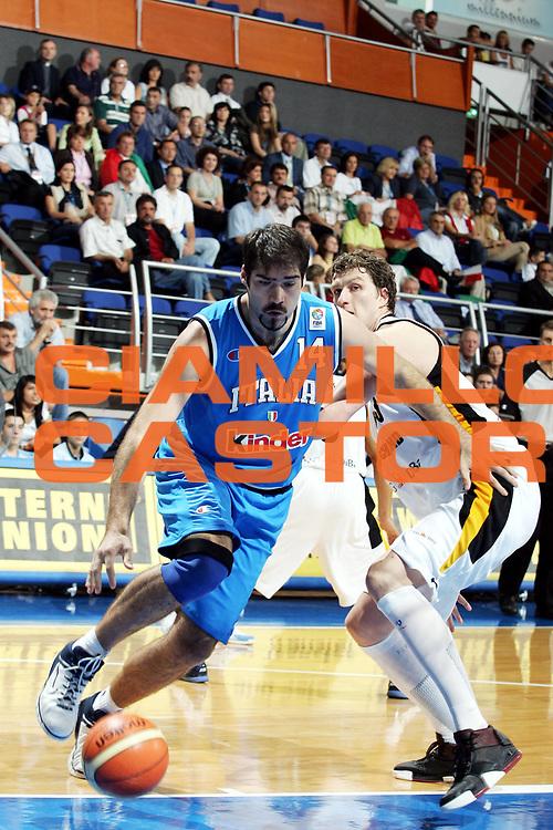 DESCRIZIONE : Vrsac Eurobasket Men 2005 Italia-Germania<br /> GIOCATORE : Chiacig<br /> SQUADRA : Italia Italy<br /> EVENTO : Eurobasket Men 2005 Campionati Europei Uomini 2005<br /> GARA : Italia Germania Italy Germany<br /> DATA : 16/09/2005<br /> CATEGORIA :<br /> SPORT : Pallacanestro<br /> AUTORE : Ciamillo&amp;Castoria/Fiba Europe Pool