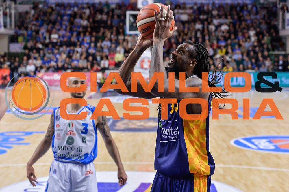 DESCRIZIONE : Beko Legabasket Serie A 2015- 2016 Dinamo Banco di Sardegna Sassari - Manital Auxilium Torino<br /> GIOCATORE : Ndudi Ebi<br /> CATEGORIA : Schiacciata Sequenza<br /> SQUADRA : Manital Auxilium Torino<br /> EVENTO : Beko Legabasket Serie A 2015-2016<br /> GARA : Dinamo Banco di Sardegna Sassari - Manital Auxilium Torino<br /> DATA : 10/04/2016<br /> SPORT : Pallacanestro <br /> AUTORE : Agenzia Ciamillo-Castoria/L.Canu