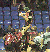 2004/05 Zurich Premiership Rugby - London Irish v Worcester Warriors.Warrior's lock Phil Murphy, win's the line out ball to set up another attack in injury time..07.11.2004 Photo  Peter Spurrier. .email images@intersport-images.com...