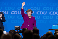 26 FEB 2018, BERLIN/GERMANY:<br /> Angela Merkel, CDU, Bundeskanzlerin, nimmt nach ihrer Rede den Applaus der Delegierten entgegen, CDU Bundesparteitag, Station Berlin<br /> IMAGE: 20180226-01-085<br /> KEYWORDS: Party Congress, Parteitag