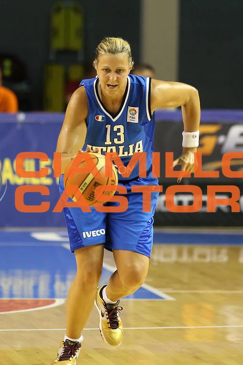 DESCRIZIONE : Taranto Torneo di qualificazione Campionati Europei donne Polonia 2011 Romania Italia Romania Italy<br /> GIOCATORE : Roberta Meneghel<br /> SQUADRA : Italia Italy<br /> EVENTO : Torneo di qualificazione Campionato Europeo Donne Polonia 2011 Eurobasket Women Additional Qualifying Tournament<br /> GARA : Romania Italia Romania Italy<br /> DATA : 08/06/2011<br /> CATEGORIA : palleggio<br /> SPORT : Pallacanestro<br /> AUTORE : Agenzia Ciamillo-Castoria/ElioCastoria<br /> Galleria : FIP Nazionali 2011<br /> Fotonotizia :  Taranto Torneo di qualificazione Campionati Europei donne Polonia 2011 Romania Italia Romania Italy<br /> Predefinita :