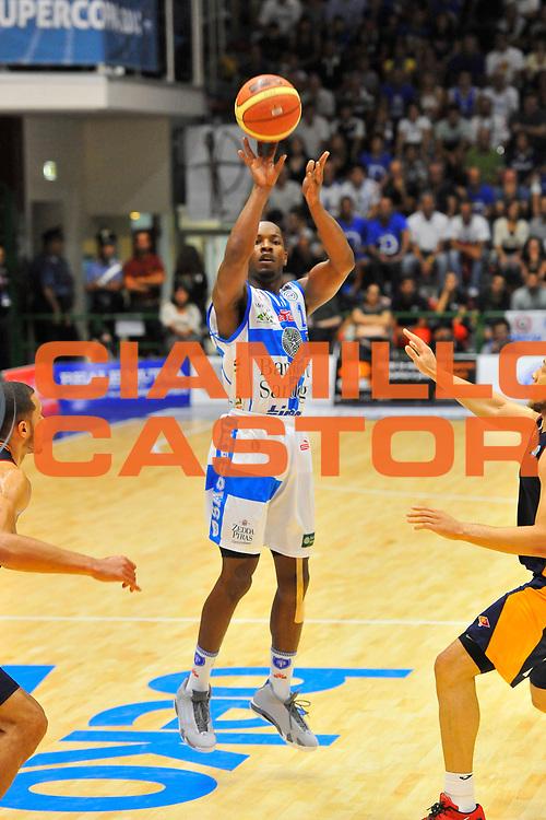DESCRIZIONE : Supercoppa 2014 Semifinale Dinamo Banco di Sardegna Sassari - Virtus Acea Roma<br /> GIOCATORE : Jerome Dyson<br /> CATEGORIA : Tiro Tre Punti<br /> SQUADRA : Dinamo Banco di Sardegna Sassari<br /> EVENTO : Supercoppa 2014<br /> GARA : Dinamo Banco di Sardegna Sassari - Virtus Acea Roma<br /> DATA : 04/10/2014<br /> SPORT : Pallacanestro <br /> AUTORE : Agenzia Ciamillo-Castoria / Luigi Canu<br /> Galleria : Supercoppa 2014<br /> Fotonotizia : Supercoppa 2014 Semifinale Dinamo Banco di Sardegna Sassari - Virtus Acea Roma