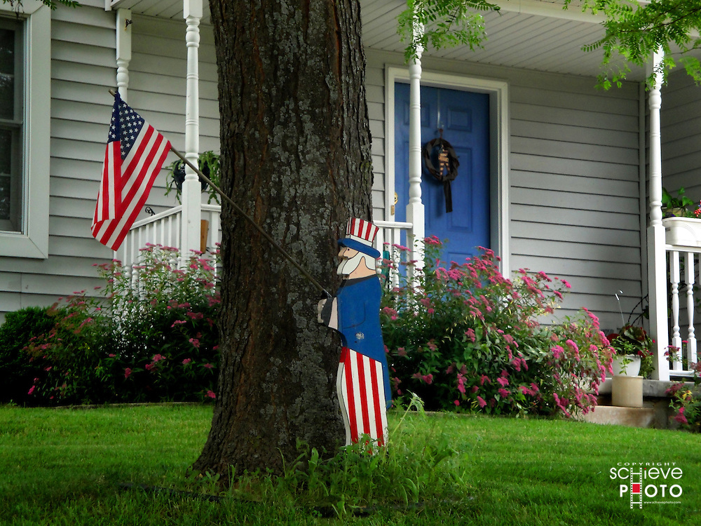 A house decorated for the 4th of July holiday.