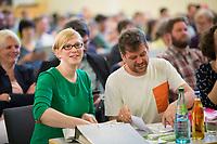 DEU, Deutschland, Germany, Berlin, 21.04.2018: Die beiden Berliner Landesvorsitzenden von Bündnis 90/Die Grünen, Nina Stahr und Werner Graf, bei der Landesdelegiertenkonferenz von Bündnis 90/Die Grünen in Berlin-Adlershof.