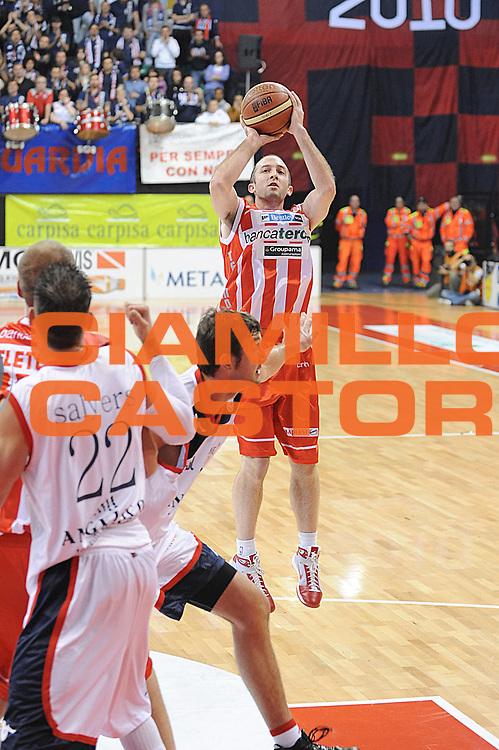 DESCRIZIONE : Biella Lega A 2010-11 Angelico Biella Banca Tercas Teramo<br /> GIOCATORE : Blake Ahearn<br /> SQUADRA : Banca Tercas Teramo <br /> EVENTO : Campionato Lega A 2010-2011 <br /> GARA : Angelico Biella Banca Tercas Teramo<br /> DATA : 24/10/2010<br /> CATEGORIA : Tiro<br /> SPORT : Pallacanestro <br /> AUTORE : Agenzia Ciamillo-Castoria/ L.Goria<br /> Galleria : Lega Basket A 2010-2011  <br /> Fotonotizia : Biella Lega A 2010-11 Angelico Biella Banca Tercas Teramo<br /> Predefinita :
