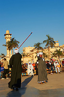 "Egypte, Haute Egypte, vallée du Nil, Louxor, demonstration deTahtib, art martial ou art du baton egyptien // Egypt, Nile Valley, Luxor, Tahtib demonstration, traditional form of Egyptian folk dance involving a wooden stick, also known as ""stick dance"" or ""cane dance"""