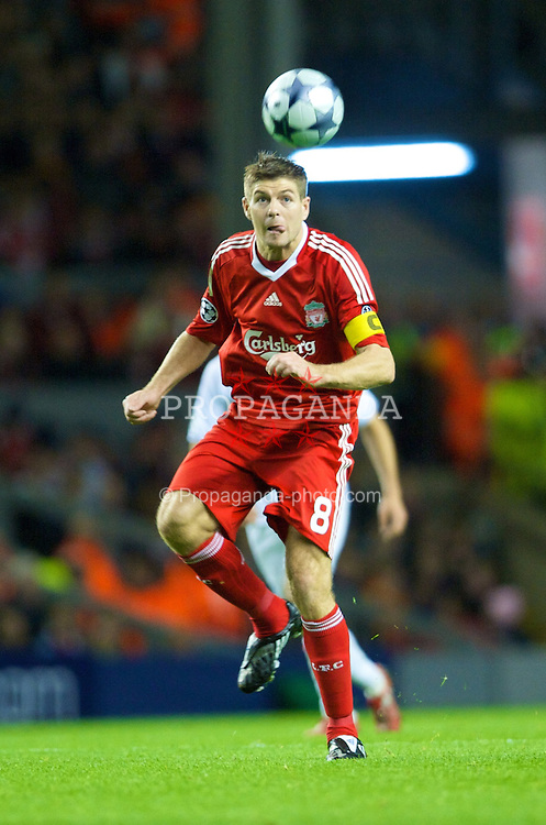 LIVERPOOL, ENGLAND - Wednesday, October 1, 2008: Liverpool's captain Steven Gerrard MBE in action against PSV Eindhoven during the UEFA Champions League Group D match at Anfield. (Photo by David Rawcliffe/Propaganda)