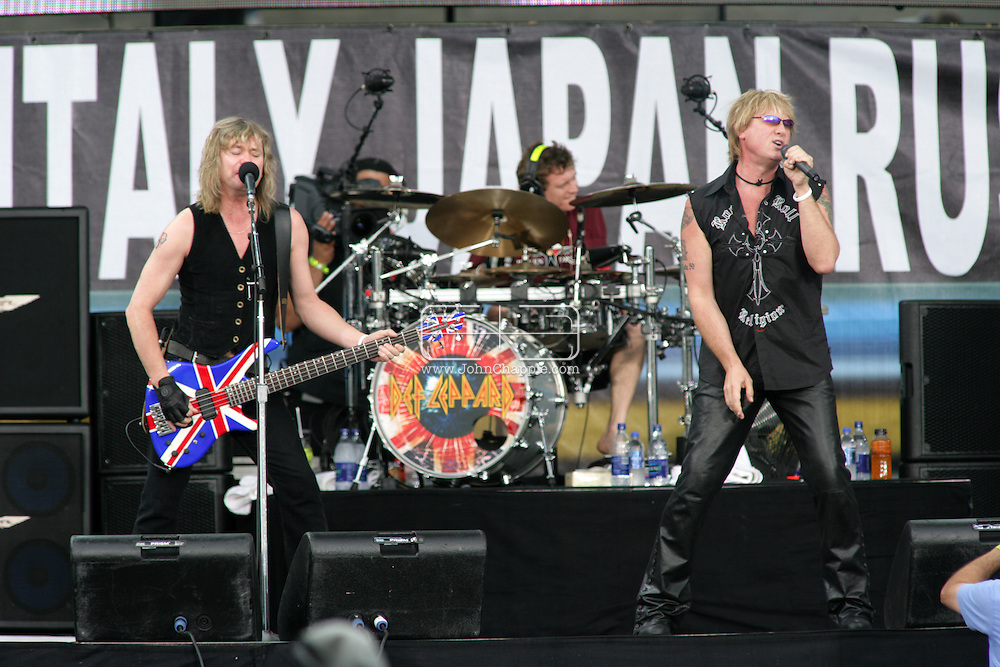 2nd July 2005, Philadelphia, PA. The USA Live 8 concert held in the city of Philadelphia. Pictured onstage is Def Leppard.  PHOTO © JOHN CHAPPLE IN THE BIG APPLE. Tel (001) 212 397 7287.www.chapple.biz