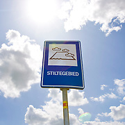Nederland gemeente Liesveld 15-07-2009 20090715 Foto: David Rozing ..Serie 3 gemeenten Graafstroom, Liesveld en Nieuw-Lekkerland, groene hart Bord in landschap stiltegebied in Groene Hart.         .Holland, The Netherlands, dutch, Pays Bas, Europe  Foto: David Rozing