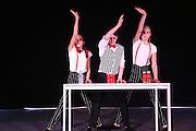 Mannheim. 10.02.17 | BILD- ID 078 |<br /> Dance Professional Mannheim zeigt eine Jahres-Show, in der sich junge Tanztalente präsentieren, die sich momentan auf eine Tanzausbildung vorbereiten.<br /> - Alisa Behnke, Marta Lufinha, Andre Meyer<br /> Bild: Markus Prosswitz 10FEB17 / masterpress (Bild ist honorarpflichtig - No Model Release!)