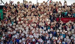 14-05-2017 NED: Kampioenswedstrijd Feyenoord - Heracles Almelo, Rotterdam<br /> In een uitverkochte Kuip pakt Feyenoord met een 3-0 overwinning het landskampioenschap / support, publiek, schaal