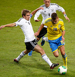 15.10.2013, Friends Arena, Stockholm, SWE, FIFA WM Qualifikation, Schweden vs Deutschland, Gruppe C, im Bild Sverige 19 Alexander Kacaniklic Germany 16 Philipp Lahm Germany 8 Mesut �zil // during the FIFA World Cup Qualifier Group C Match between Sweden and Germany at the Friends Arena, Stockholm, Sweden on 2013/10/15. EXPA Pictures � 2013, PhotoCredit: EXPA/ PicAgency Skycam/ Sami Grahn<br /> <br /> ***** ATTENTION - OUT OF SWE *****