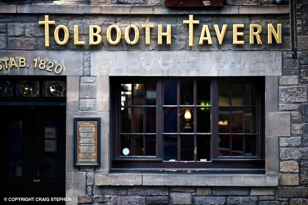 Frontage of the Tolbooth Tavern on the Cannongate / Royal Mile, Edinburgh. Canongate Tolbooth is a historical landmark of the Old Town section of Edinburgh, Scotland (U.K.). Built in 1591, it served as a tolbooth or toll-collecting gate for those entering Edinburgh from the lower (eastern or Holyrood) end of what is now known as the Royal Mile.