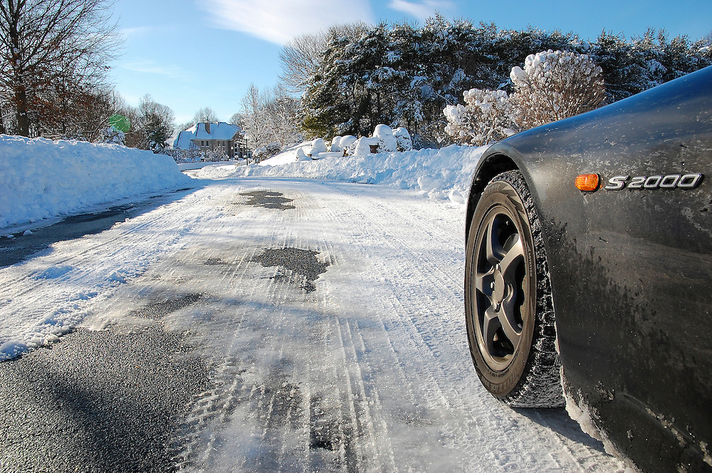 Snowpocalypse S2000 as seen on Jalopnik - http://jalopnik.com/5467697/the-snowpocalypse-as-seen-from-a-honda-s2000-all-wheel-drive-is-for-pansies
