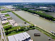 Nederland, Utrecht, Nieuwegein; 14–05-2020; Lekkanaal en Schalkwijkse Wetering. In de achtergrond de Beatrixsluis met de nieuwe derde sluiskolk. Het Lekkanaal is verbreed, monumentale objecten van de Nieuw Hollandse Waterlinie (NHW)zijn (deels) verplaatst en zichtbaar gemaakt.<br /> Lek channel and Schalkwijkse Wetering. The Lek Canal has been widened, monumental objects of the New Holland Water Line (NHW) have been (partly) moved and made visible.<br /> <br /> luchtfoto (toeslag op standaard tarieven);<br /> aerial photo (additional fee required)<br /> copyright © 2020 foto/photo Siebe Swart