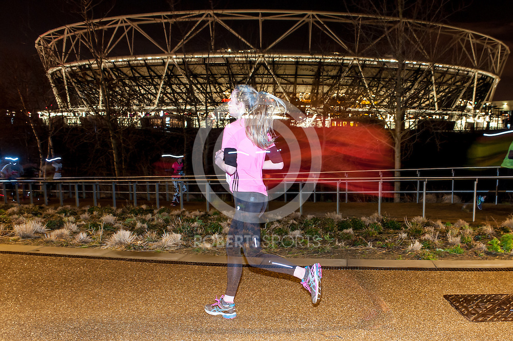 Images from the Supernova 5km, 5 March 2016 at Queen Elizabeth Olympic Park, London. Photo: Paul J Roberts / RobertsSports Photo. All Rights Reserved