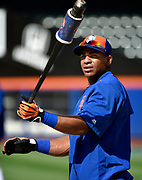 Newly acquired New York Met Yoenis Cespedes loosens up before taking batting practice before the baseball game against the Washington Nationals at Citi Field, August 1, 2015, in New York. <br /> (AP Photo/Kathy Kmonicek)