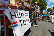 Tom Dumoulin (NED - Team Sunweb) takes all of the time for his fans before the start during the 105th Tour de France 2018, Stage 15, Millau - Carcassonne (181,5 km) on July 22th, 2018 - Photo George Deswijzen / Pro Shots / ProSportsImages / DPPI