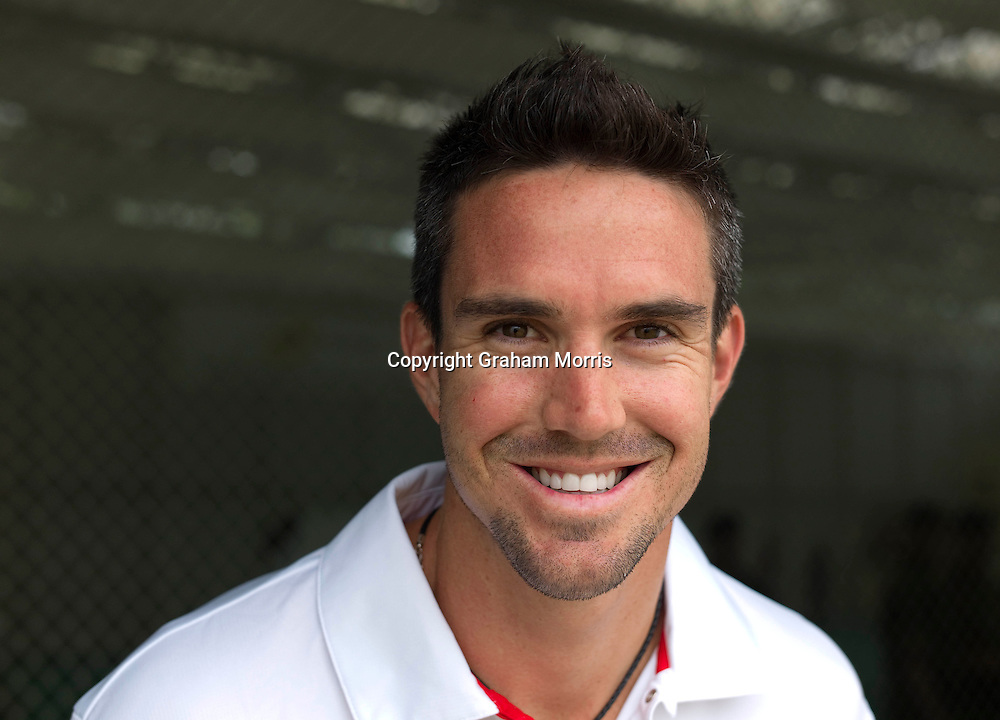 England cricketer Kevin Pietersen. Photograph: Graham Morris/cricketpix.com (Tel: +44 (0)20 8969 4192; Email: sales@cricketpix.com) Ref. No. 11144k23  23/05/11