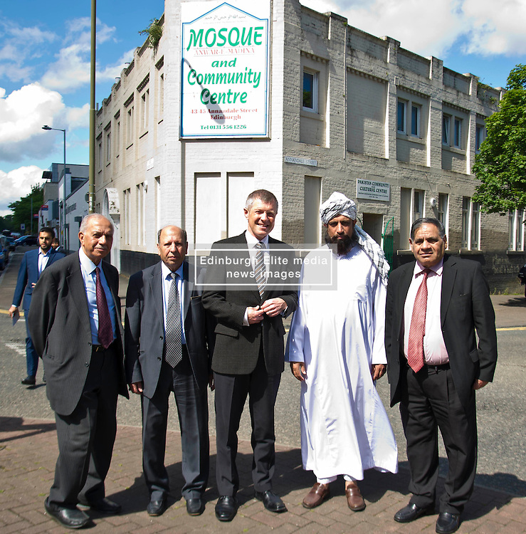Pictured: Bashir Malik (member of the Edinburgh Inter-Faith Association), Mohammad Sleem Irshad (Chairperson of the Annandale Street Mosque),Willie Rennie, Imman Abdulghaffar and Mohammad Aslam<br /> <br /> Scottish Liberal Democrat  leader Willie Rennie headed to meet up with members of the Annandale Mosque, which has invited Donald Trump to visit while he is in Scotland this week to learn more about Islam.<br /> <br /> (c) Ger Harley | Edinburgh Elite media