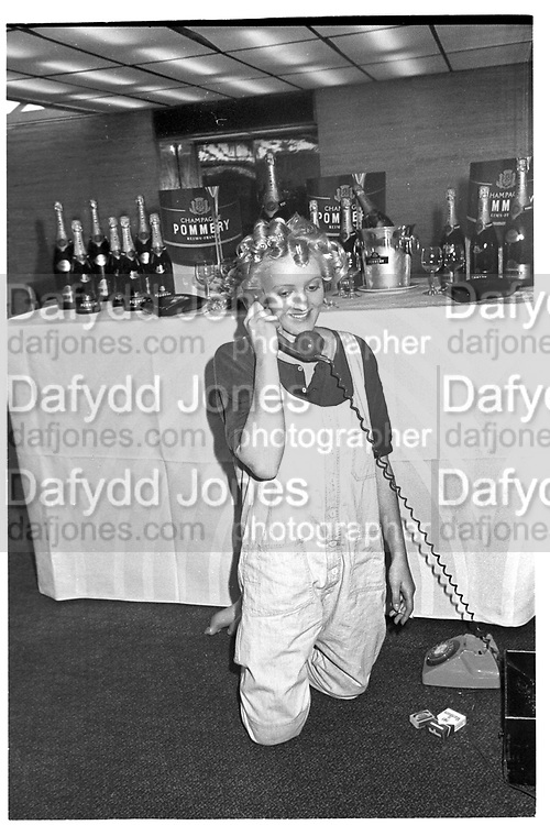ALEXANDRA HESELTINE , NSPCC Berkeley Dress show. London, 1984. SUPPLIED FOR ONE-TIME USE ONLY> DO NOT ARCHIVE. © Copyright Photograph by Dafydd Jones 248 Clapham Rd.  London SW90PZ Tel 020 7820 0771 www.dafjones.com