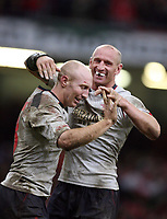Photo: Rich Eaton.<br /> <br /> Wales v Canada. Invesco Perpetual Series. 17/11/2006. Gareth Thomas right captain of Wales congratulates Tom Shanklin left on his second half try