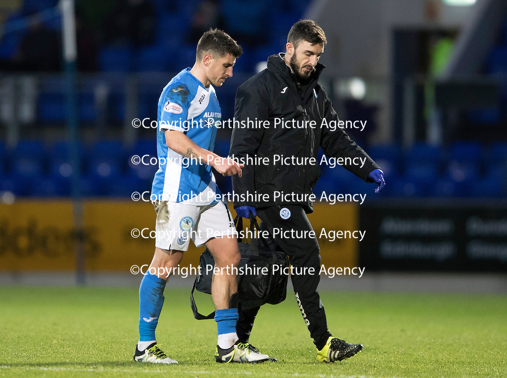 St Johnstone v Motherwell&Ouml;17.12.16     McDiarmid Park    SPFL<br /> Michael Coulson limps off with physio Tony Tompos<br /> Picture by Graeme Hart.<br /> Copyright Perthshire Picture Agency<br /> Tel: 01738 623350  Mobile: 07990 594431