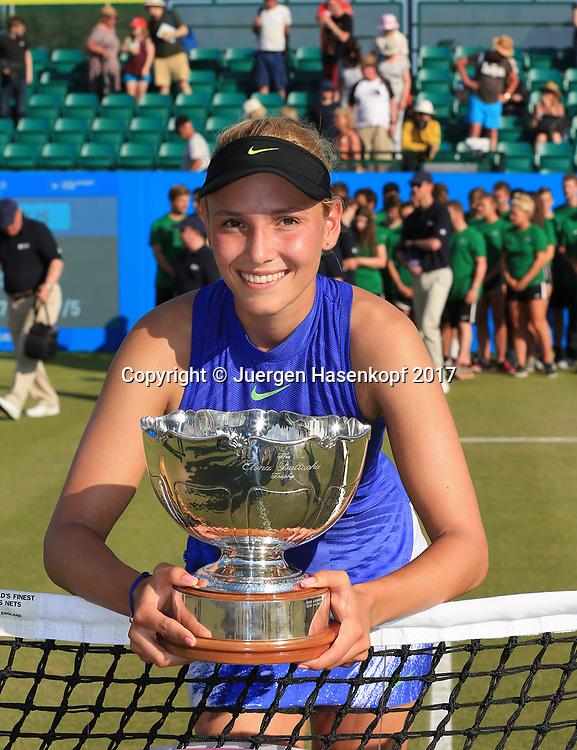 Siegerin DONNA VEKIC (CRO) mit Pokal, Sieger im  Damen Final, AEGON Open Nottingham 2017<br /> <br /> Tennis -  Nottingham Open 2017 - WTA -   Nottingham Tennis Centre, Nottingham, Nottinghamshire, - Nottingham -  - Great Britain  - 18 June 2017. <br /> &copy; Juergen Hasenkopf