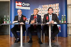 """12.04.2017, Parlament, Wien, AUT, ÖVP, Pressekonferenz mit dem Titel """"EU Beitrittsperspektiven der Westbalkanländer"""". im Bild v.l.n.r. Nationalratsabgeordneter ÖVP Christoph Vavrik, ÖVP Klubobmann Reinhold Lopatka und Abgeordneter zum Landtag von Niederösterreich Lukas Mandl // during press conferenc of the austrian people' s party in Vienna, Austria on 2017/04/12. EXPA Pictures © 2017, PhotoCredit: EXPA/ Michael Gruber"""