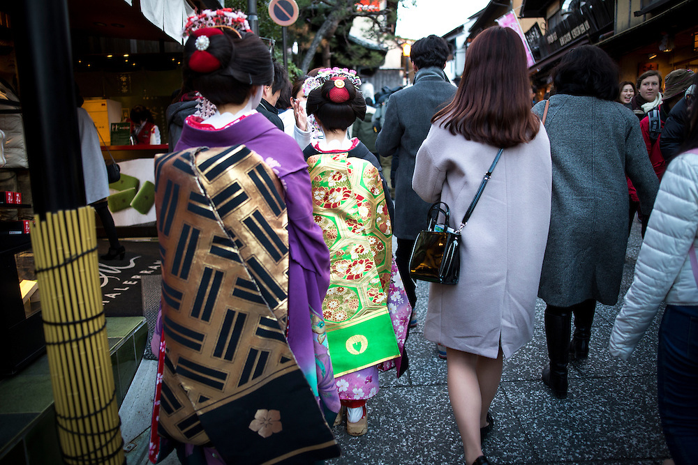 KYOTO , JAPAN - JANUARY 10 : A maiko dress in Kimono walks in the street of Kiyomizu-dera, Kyoto prefecture, Japan on Sunday, January 10, 2016.  Photo: Richard Atrero de Guzman
