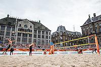 AMSTERDAM - Poulewedstrijd Van der Vlist / Van Gestel (NED) tegen Goricanec / Huberli (Zwitserland) , Beachvolleybal , WK Beach Volleybal 2015 , Stadion op de Dam , 28-06-2015 , Jantine van der Vlist serveert