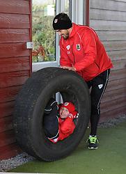 Bristol City's Marlon Pack jokes about with Connor - Photo mandatory by-line: Dougie Allward/JMP - Mobile: 07966 386802 - 01/04/2015 - SPORT - Football - Bristol - Bristol City Training Ground - HR Owen and SAM FM