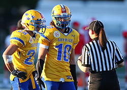 06.06.2014, Stadion Ravelinstrasse, Wien, AUT, American Football Europameisterschaft 2014, Spiel um Platz 5, Daenemark (DEN) vs Schweden (SWE), im Bild Marion Escobar, (Team Sweden, DB, #25 ,  Christoffer Dessezar, (Team Sweden, DB, #10) und ein Referee // during the American Football European Championship 2014 game for place 5 between Denmark and Sweden at the UPC Arena, Graz, Austria on 2014/06/06. EXPA Pictures © 2014, PhotoCredit: EXPA/ Thomas Haumer