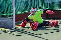 AMSTELVEEN -  keeper Pirmin Blaak (Ned)   tijdens de training van het heren hockey team. Het Nederlands elftal heeft toestemming gekregen van het ministerie van VWS, het RIVM en NOC NSF om de groepstrainingen te hervatten tijdens de coronacrisis. Er mogen niet meer dan 6 veldspelers telgelijk op het veld.  COPYRIGHT KOEN SUYK