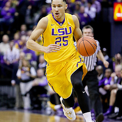 Jan 5, 2016; Baton Rouge, LA, USA; LSU Tigers forward Ben Simmons (25) drives with the ball against the Kentucky Wildcats during the first half of a game at the Pete Maravich Assembly Center. Mandatory Credit: Derick E. Hingle-USA TODAY Sports