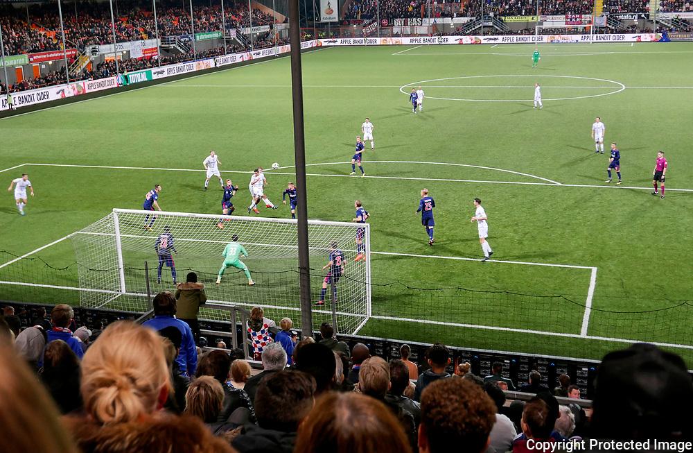 October 25, 2017 - 19:51<br /> The Netherlands, Volendam - De Dijk vs Ajax