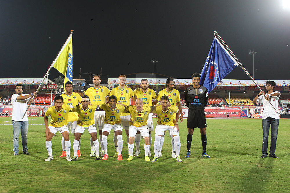 Kerala team photo during match 17 of the Hero Indian Super League between FC Pune City<br /> and Kerala Blasters FC held at the Shree Shiv Chhatrapati Sports Complex Stadium, Pune, India on the 30th October 2014.<br /> <br /> Photo by:  Ron Gaunt/ ISL/ SPORTZPICS