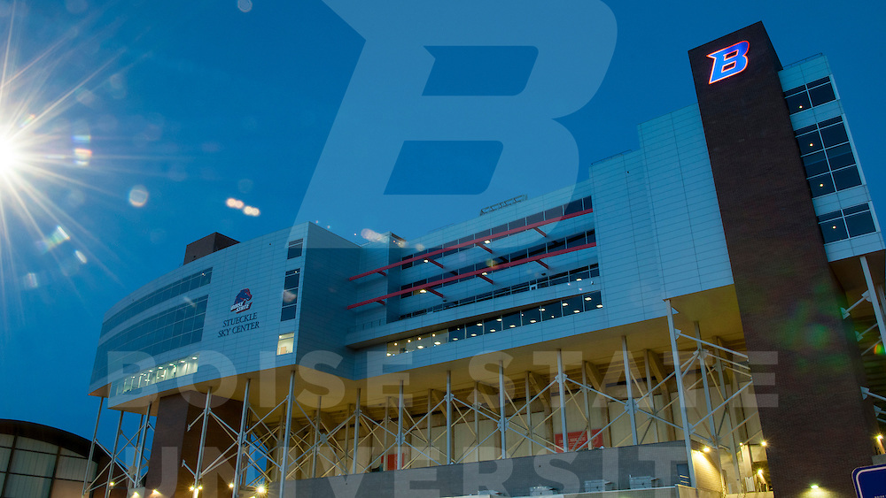 Bronco Stadium B Logo Branding, Photo by Wankun Sirichotiyakul