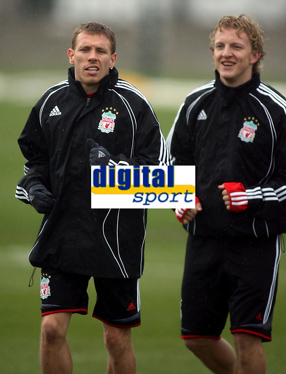 Photo: Paul Thomas.<br />Liverpool training session. UEFA Champions League. 05/03/2007.<br /><br />Craig Bellamy (L) and Dirk Kuyt of Liverpool.